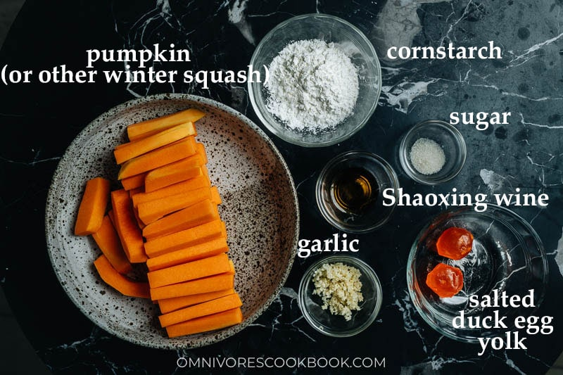 Ingredients for making Chinese pumpkin with salted egg