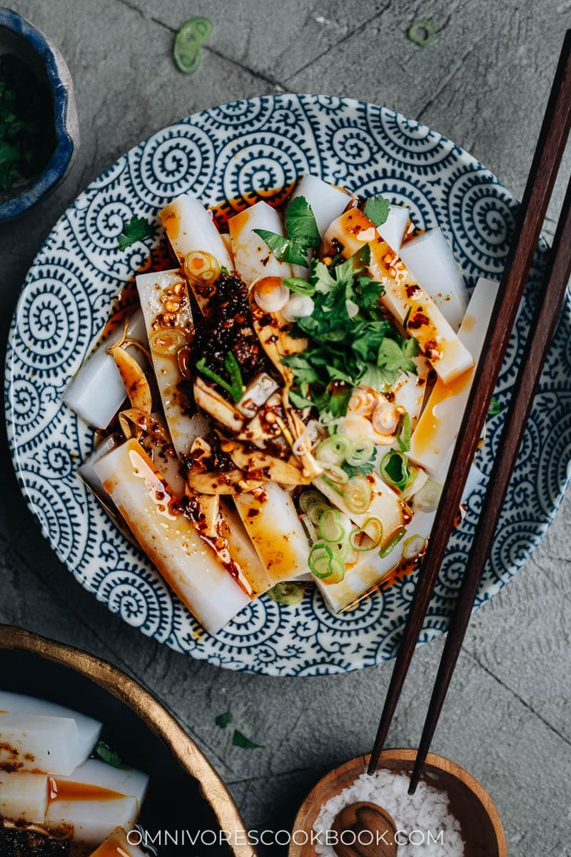 Chinese mung bean curd with chili oil sauce