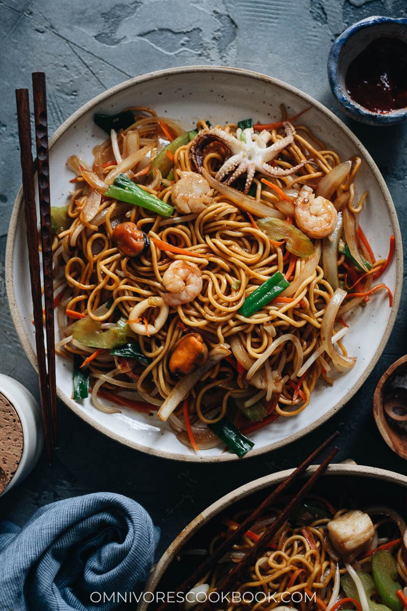 Homemade seafood fried noodles