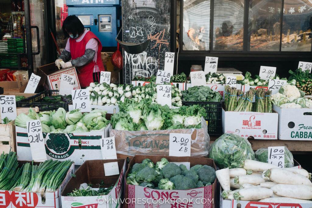Manhattan Chinatown - Vegetable stand