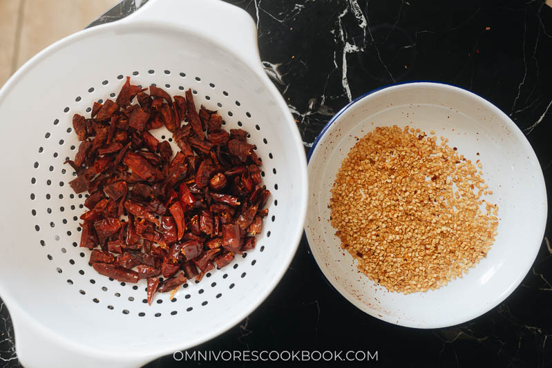 How to deseed dried chile peppers
