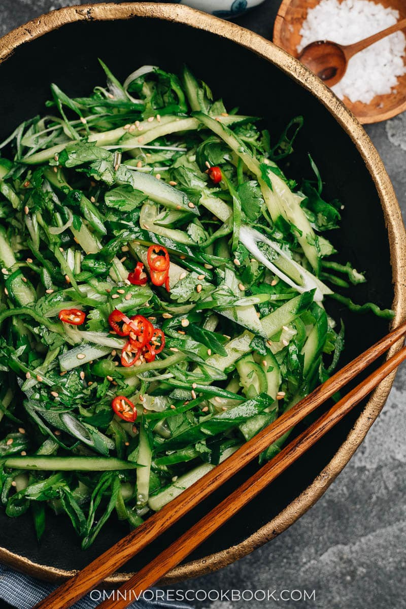 Chinese cucumber and chile pepper cold appetizer