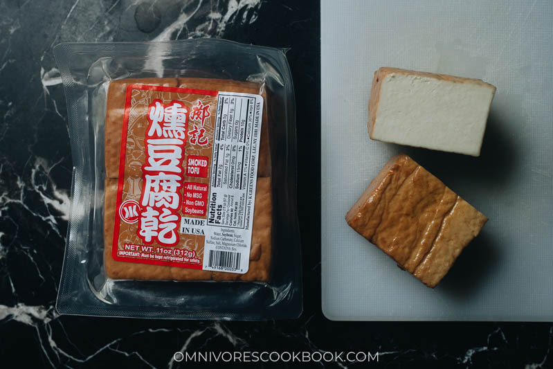 Packaged baked smoked tofu for pad thai
